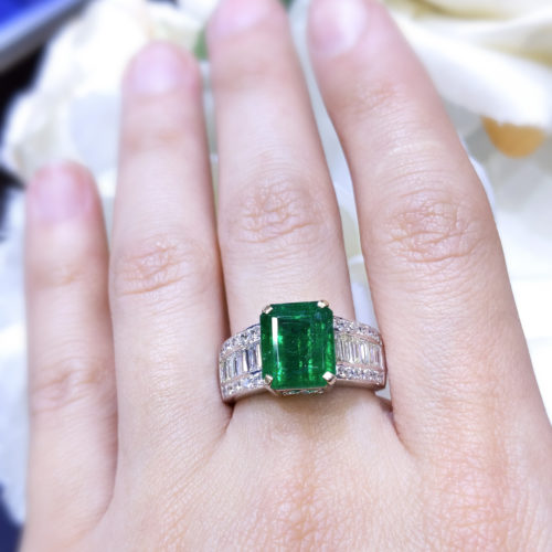 Amazing Deal. Emerald Diamond Ring 18K WG 5.89ct
